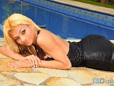 Raissa Barbie Blond Brazilian Shemale Bombshell