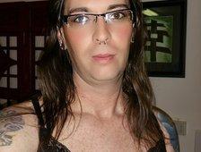 Dera Star Sexy Tgirl Pics!