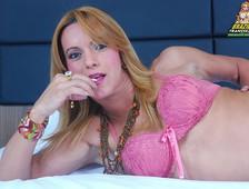 Adryela Vendramine Pink Bra Shemlae