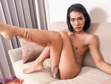 Bangkok Natural Beauty Parry Ladyboy Photos