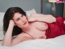Chanel Noir Sexy Red Lingerie Strip Tgirl
