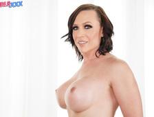 Nikki Jade Taylor Big Boobs Beauty