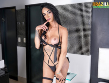 Monicky Mendes Sexy Brazilian Tgirl Newcomer
