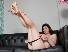 Eris Day Hot Long Legs Dildo Tgirls XXX
