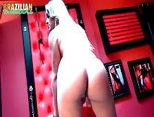 Juliana Leal Stiff Shecock Beauty