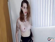 Nikki Jaee Big Dildo Transsexual Hottie