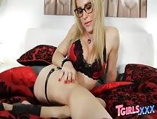 Avril Vixxxen Montreal Canada Tgirl Beauty