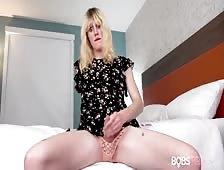Phoebe Faraway Bobs Tgirls Beauty